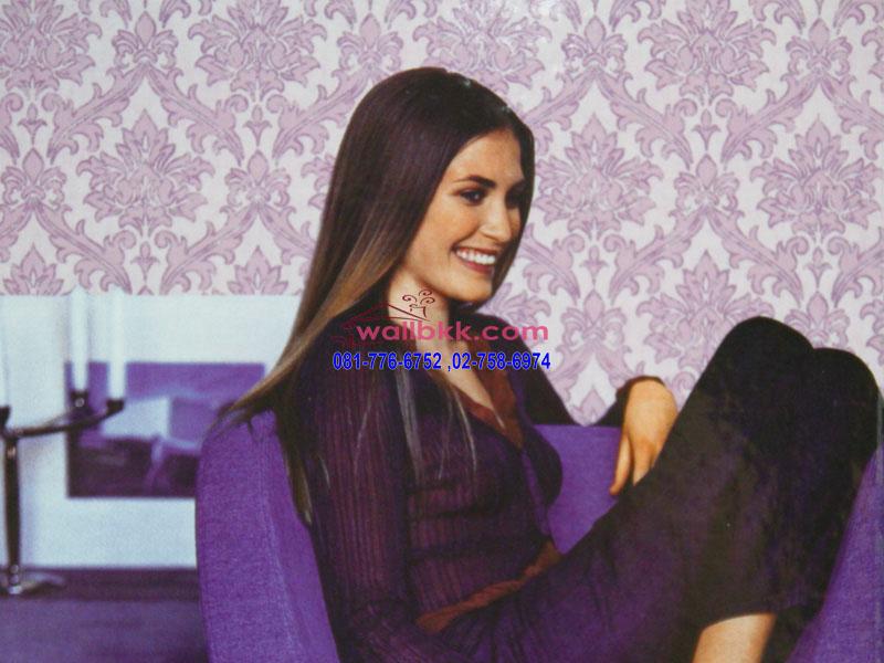 FVE12-77 ตัวอย่าง วอลล์เปเปอร์ ลายหลุยส์สีม่วงในห้องนั่งเล่น